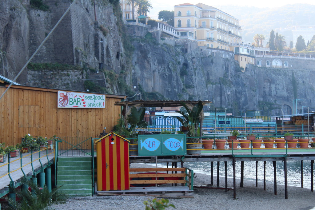 Sorrento in the off-season: beach bar