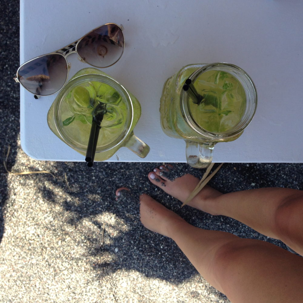 Mojitos black sand beach