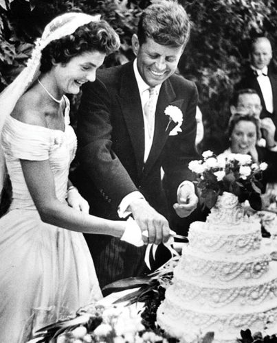 JFK and Jackie Cutting Cake