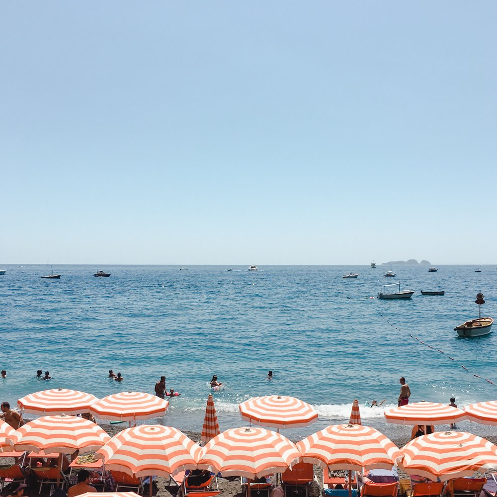 A Day at Bagni d\'Arienzo in Positano - Petite Suitcase