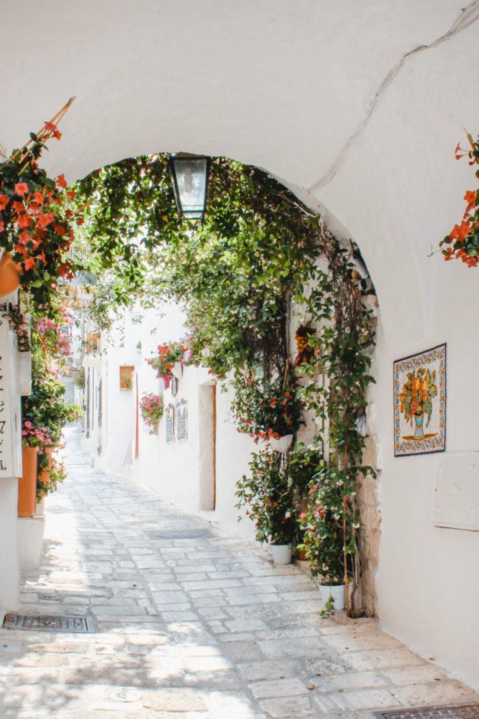 Weekend Guide to Puglia: Ostuni and Alberobello