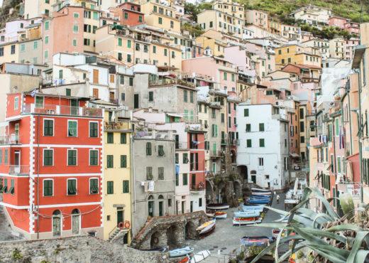 Cinque Terra Guide. How to see Cinque Terre in two days. Riomaggiore