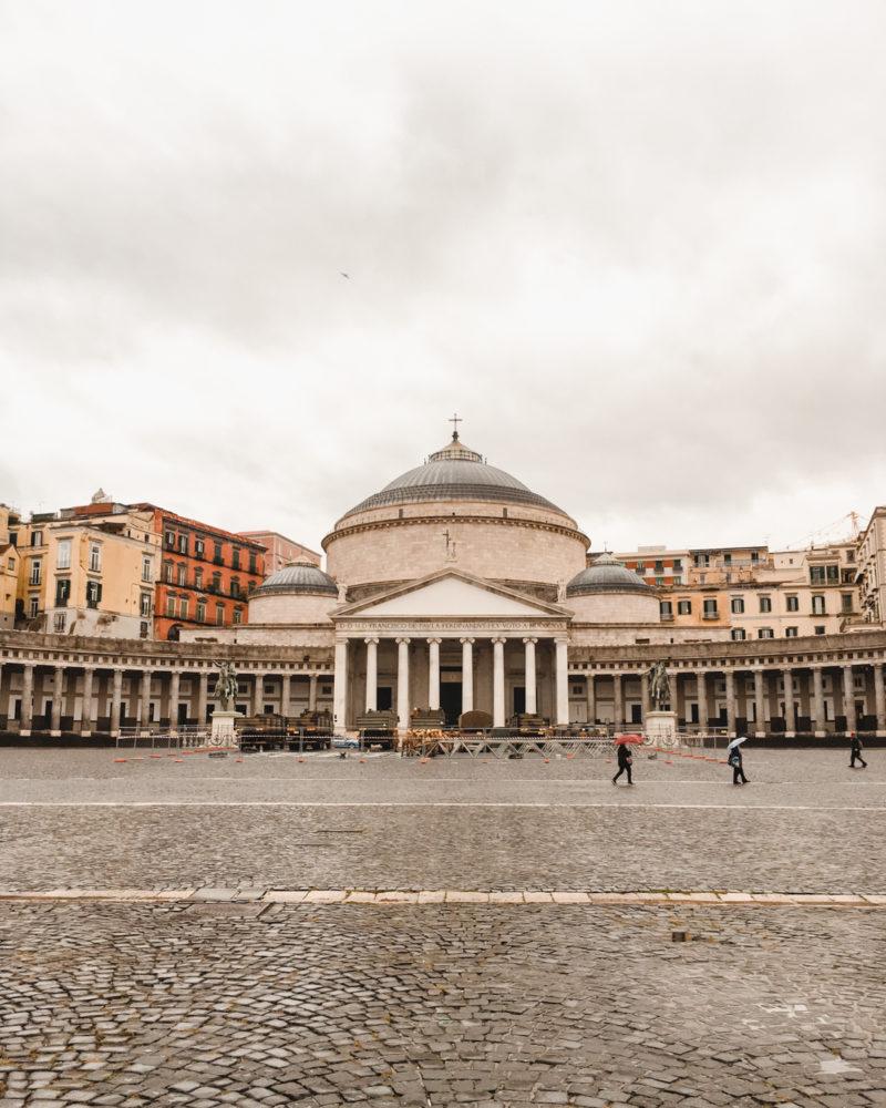 Piazza del Plebiscio | Guide to Naples Italy