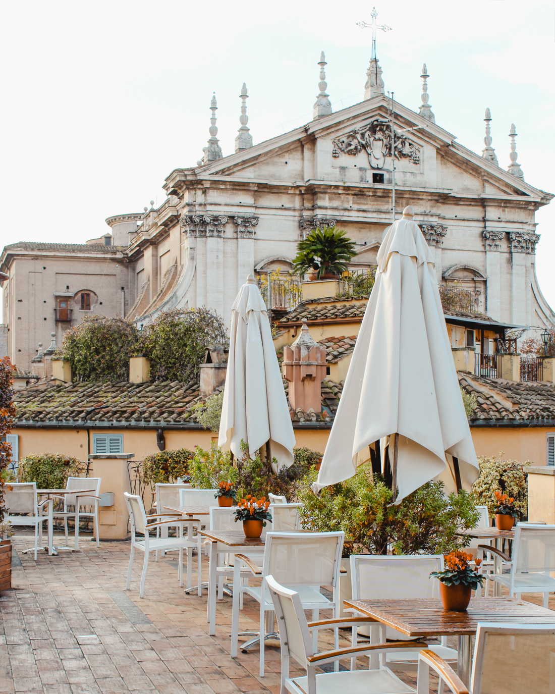 Hotels in Rome: What to expect and tips for booking the best hotel. Travel Tips | Italy Hotels | #italy #traveltips