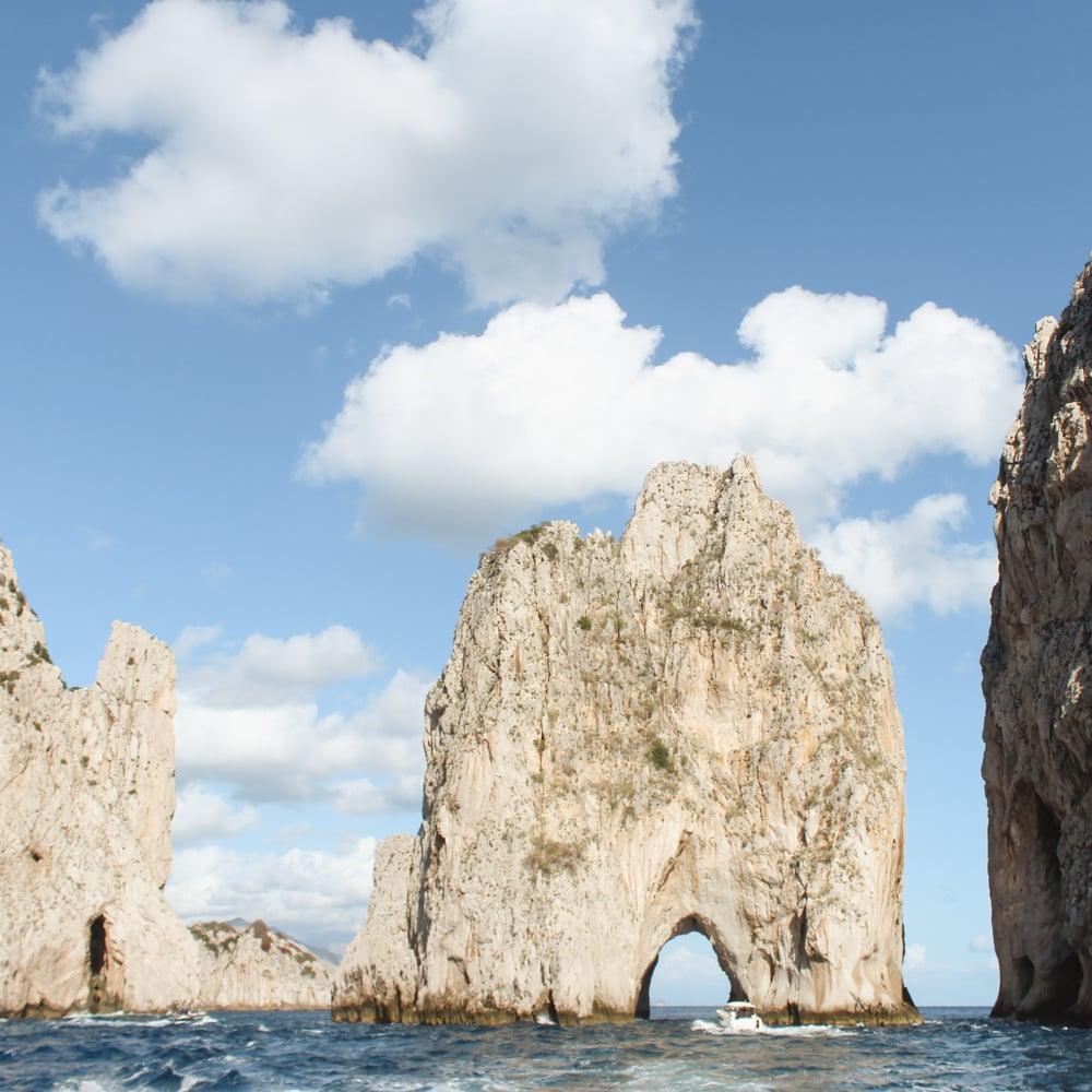 Islands in Italy- capri faraglioni