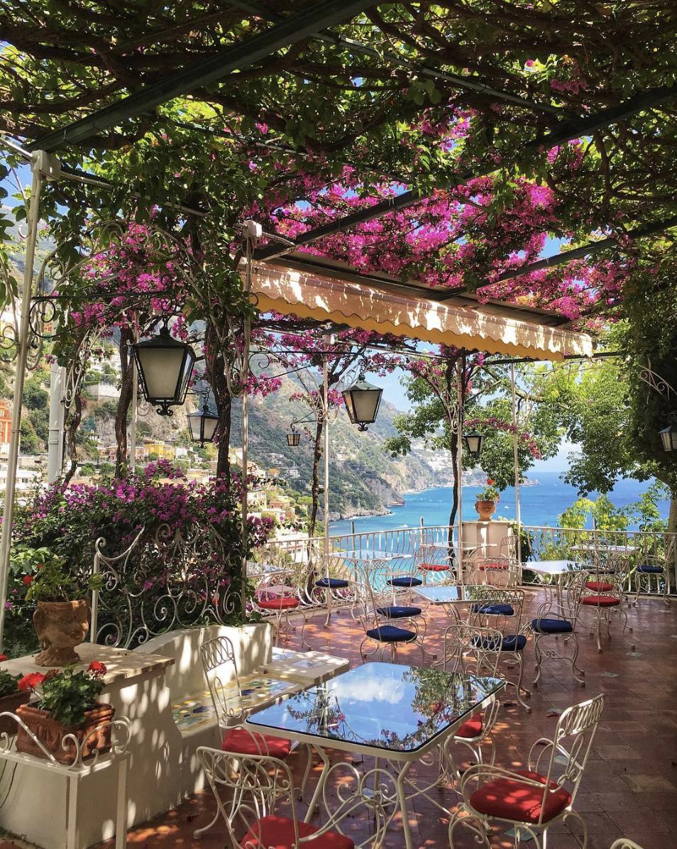 Hotel Poseidon- bougainvillea restaurant