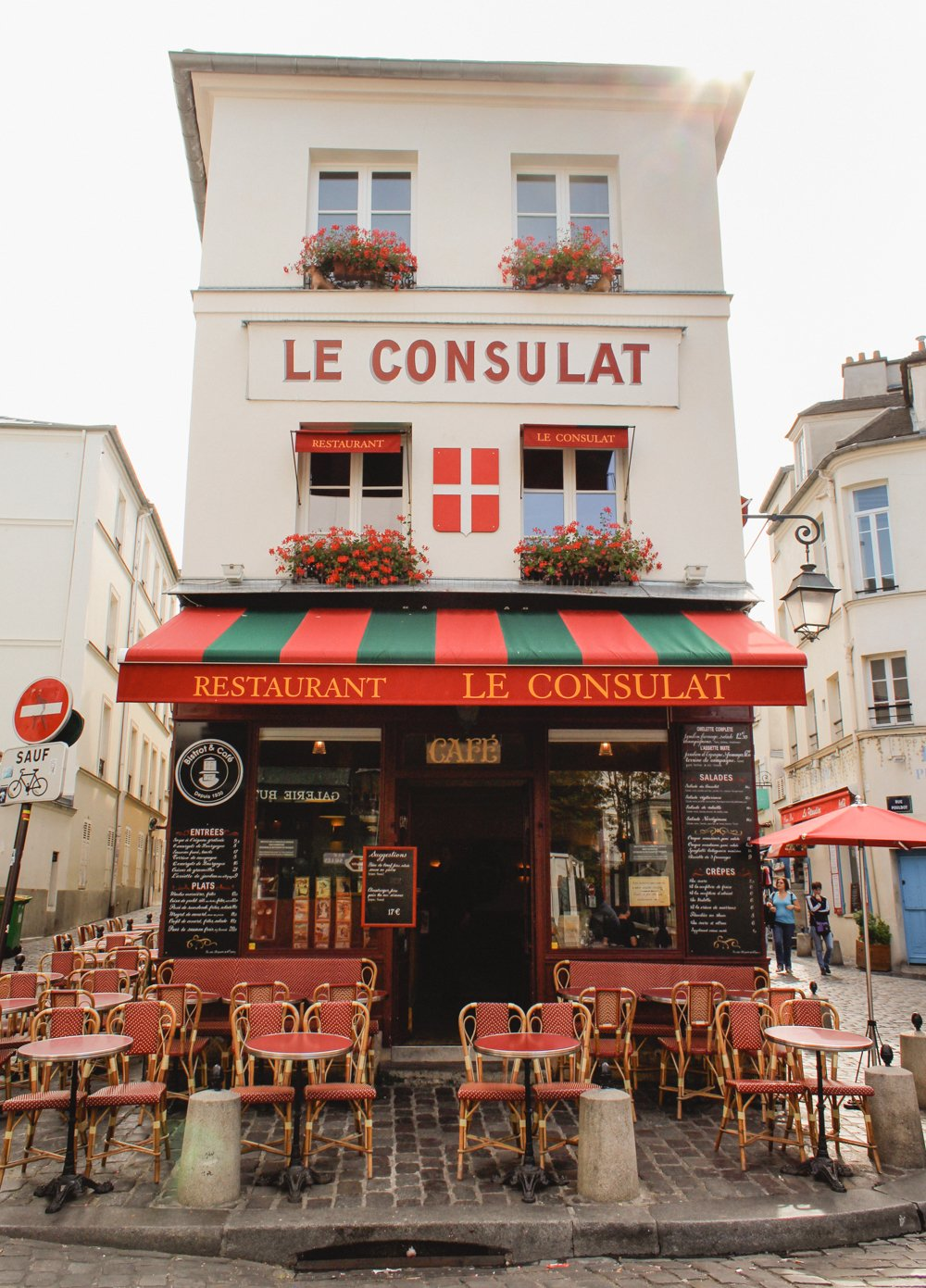 Cafes You Can't Miss in Paris- Le Consulat