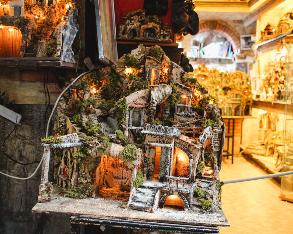 Presepe | Christmas Alley in Naples