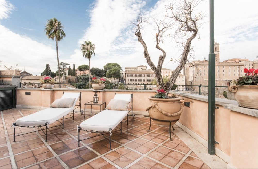 Apartments with a Terrace to Rent in Rome - Roman Forum