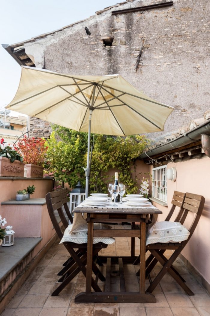 10 Airbnbs with a Terrace in Rome