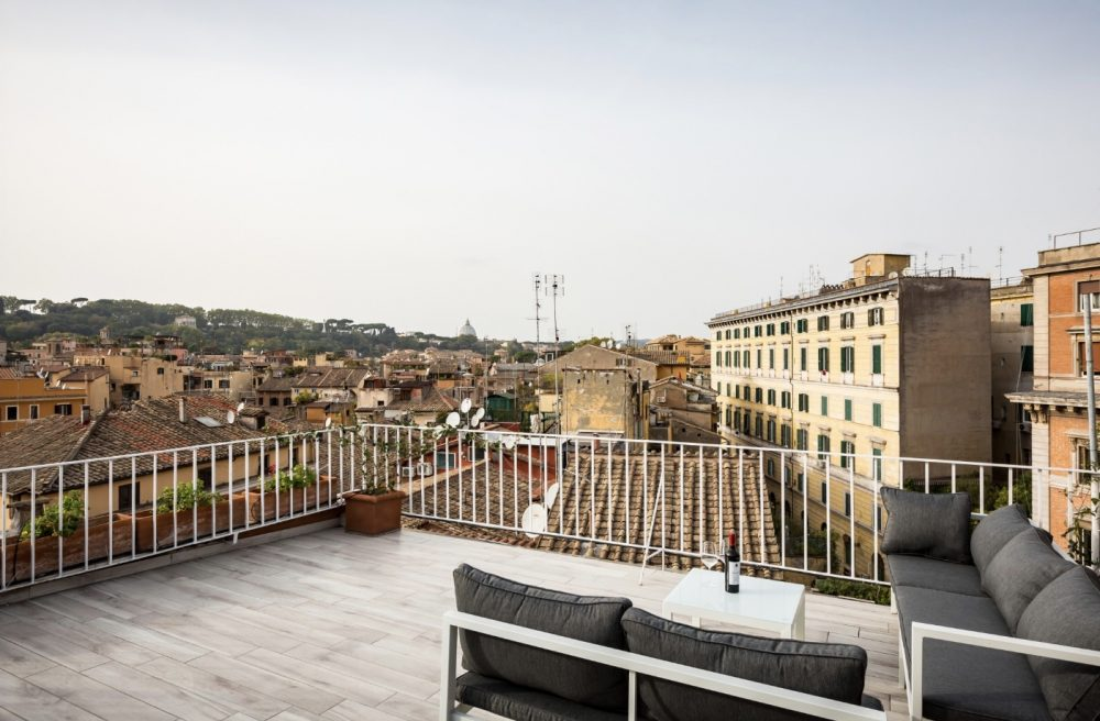 Apartments with a Terrace to Rent in Trastevere, Rome