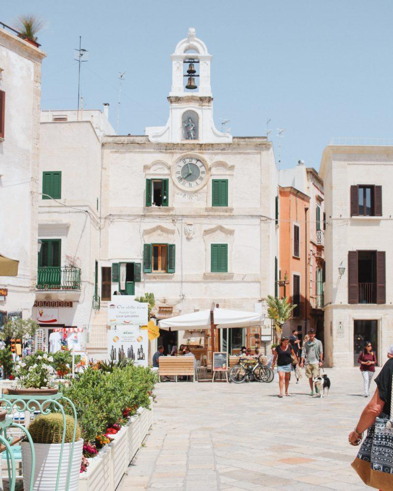 Piazza in Polignano al Mare
