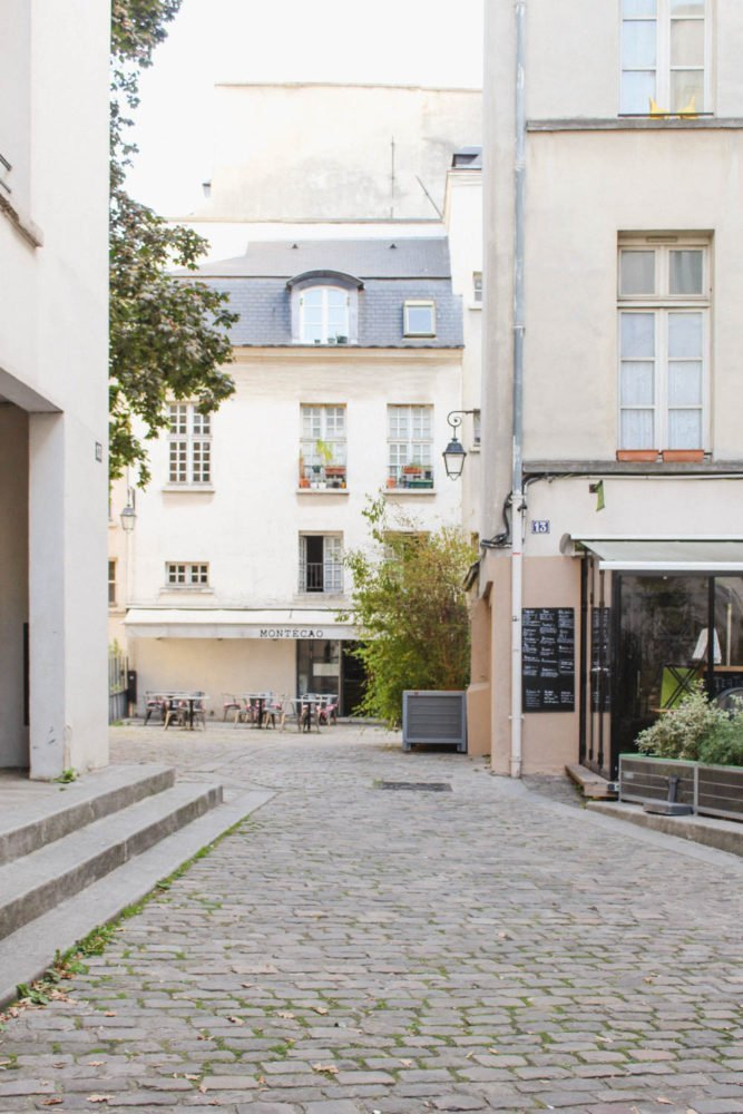 Saint Paul | Courtyard in Paris