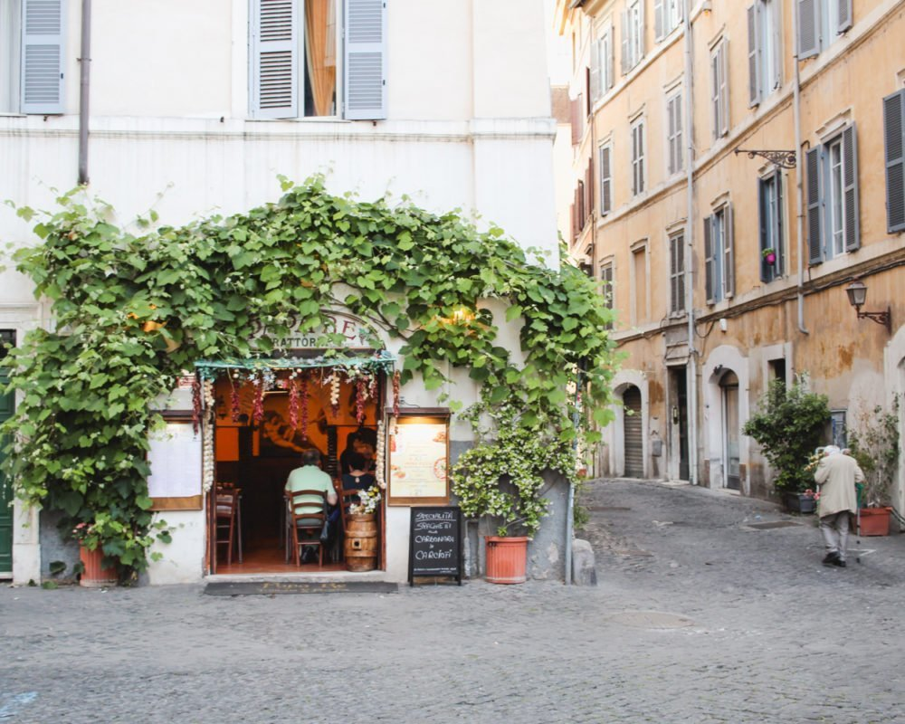 Trastevere, Rome | Ivy covered restaurant