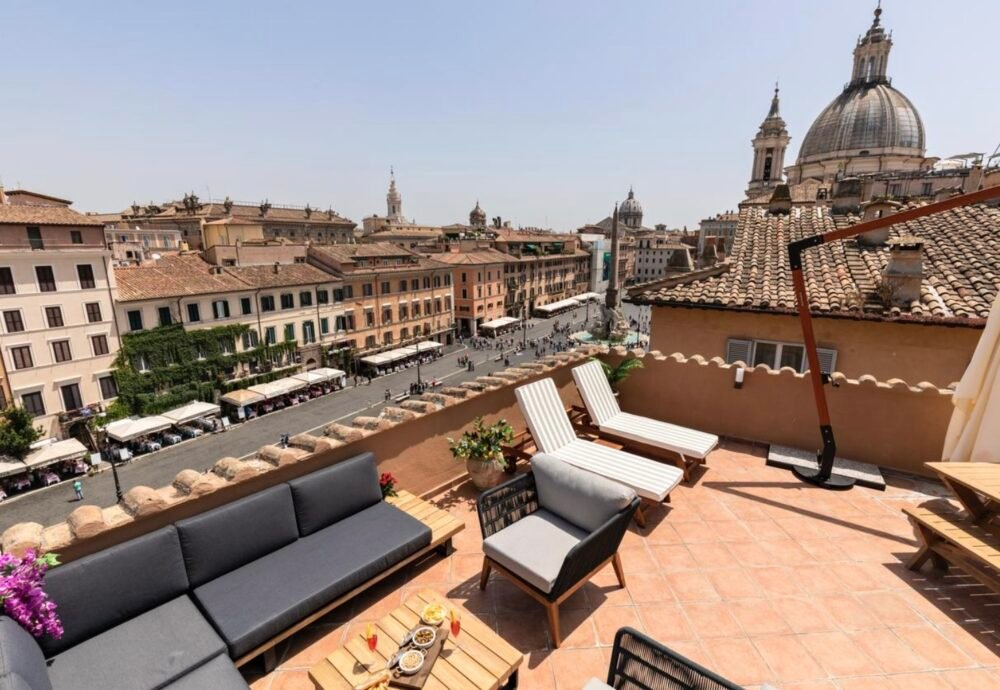 Apartment in Rome with view of Piazza Navona