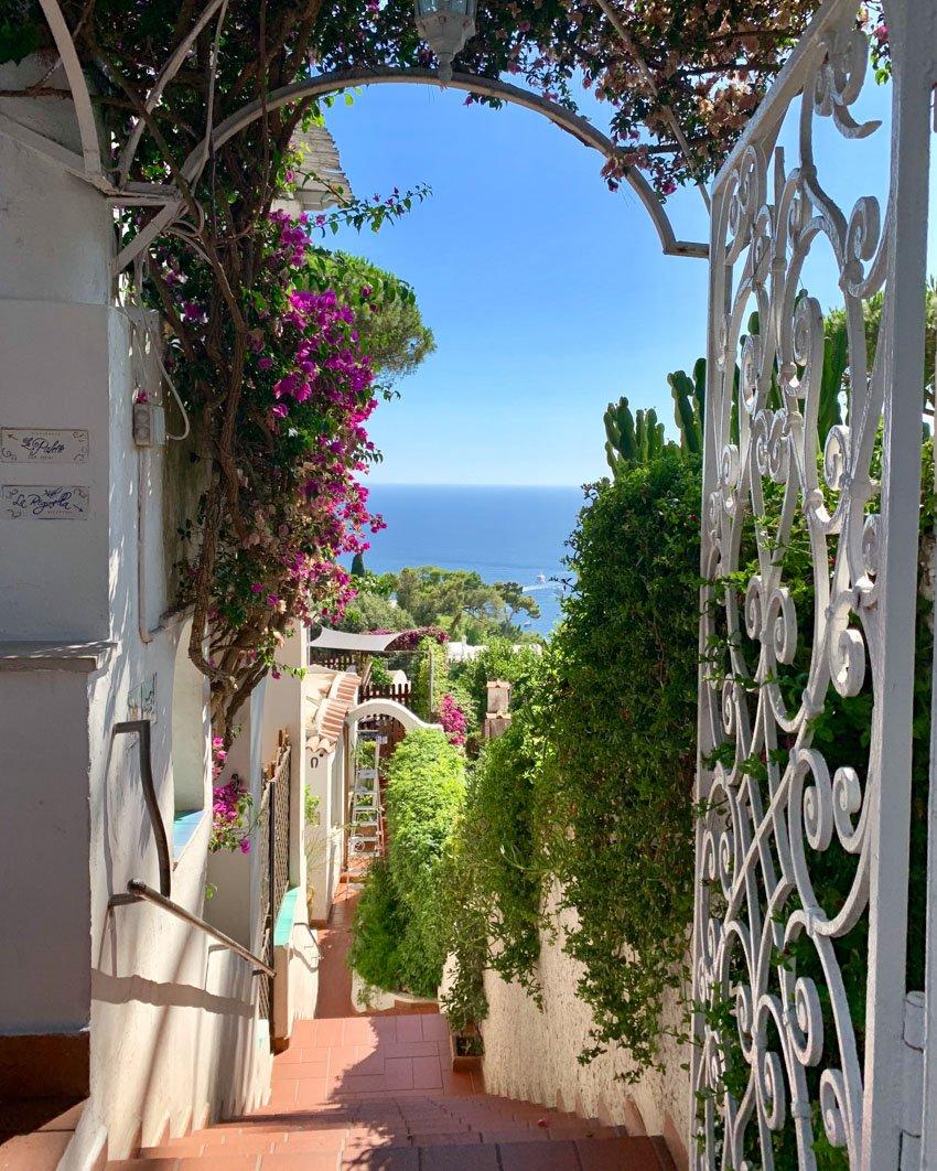 Entry to La Reginella Hotel, Capri